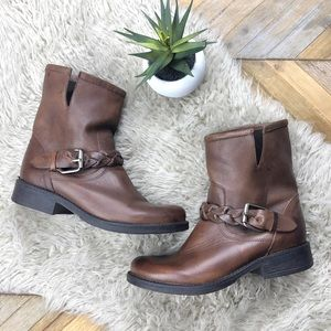 •STEVE MADDEN• Brown Leather Flair Ankle Moto Boot